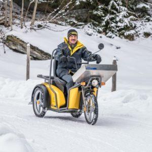 Elektroscooter Kyburz DXP Einsatz im Schnee